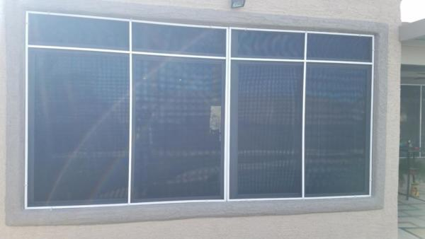 8 pane solar screen with rainbow