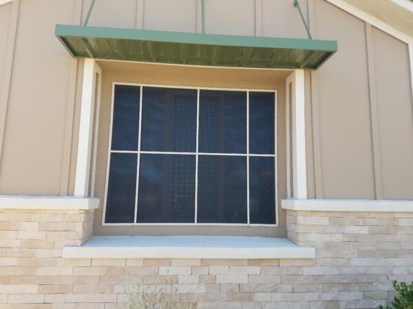 8 panel solar screen